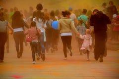 Festival de Holi en Russie Tyumen images stock
