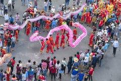 Festival de la danza del dragón en la calle Fotografía de archivo