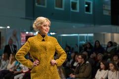 Festival 2016 de la moda de Kyiv de la voga en Kiev, Ucrania Imagenes de archivo