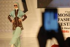 Festival 2014 de la moda de los musulmanes Foto de archivo libre de regalías