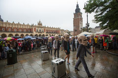 Festival de la noche del teatro de Kraków - KTO Teatre en plaza del mercado principal Fotos de archivo libres de regalías