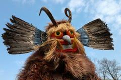 Festival de los juegos Surva de la mascarada en Pernik, Bulgaria imagenes de archivo