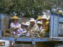 Festival de Lua cheia de partida da família burmese, Hsipaw, Burma Fotografia de Stock