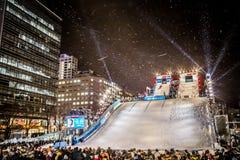 Festival de neige au parc d'Odori, sur l'état d'exposition gratuite de concurrence de surf des neiges de ` de colline de parc de  Photos stock