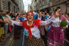 Festival de participants de St John Se produit chaque année pendant le milieu de l'été, Porto Images stock