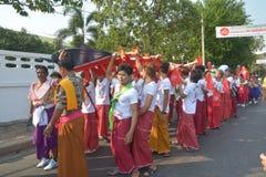 Festival de Songkran no estilo de Tailandês-segunda-feira Fotografia de Stock Royalty Free