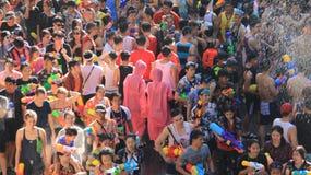 Festival del Año Nuevo tailandés y del agua Agua turística del chapoteo con la diversión Foto de archivo