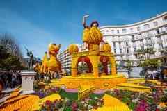 Festival 2019 del limone di Menton, arte fatta dei limoni ed arance Tema fantastico dei mondi immagini stock libere da diritti