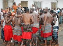 FESTIVAL della GENERAZIONE del GRUPPO ETNICO ABIDJAN Ebrié Fotografia Stock Libera da Diritti