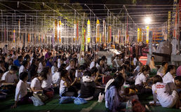 Festival di nuovo anno, candele del fuoco della rana pescatrice buddista alla t Fotografie Stock Libere da Diritti
