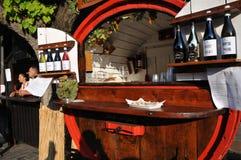 Festival di vino nel villaggio medievale di Staffolo nell'AIS centrale fotografie stock