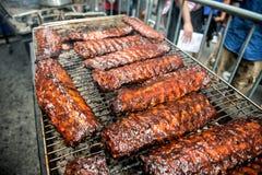 Festival do alimento da rua dos reforços de carne de porco e BBQ imagem de stock royalty free