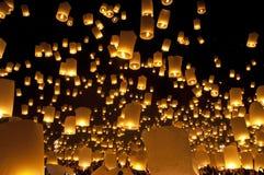 Festival do fogo-de-artifício das lanternas do céu Imagens de Stock