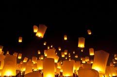 Festival do fogo-de-artifício das lanternas do céu Fotografia de Stock