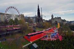 Festival do Natal no centro de cidade de Edimburgo Fotos de Stock