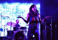 Festival för musik för Yasmine Hamdan och för musikband nära Balkanik 7 värld i Bucharest Royaltyfri Fotografi