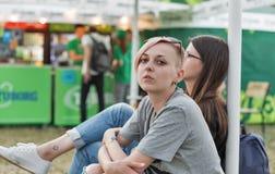 Festival hermoso joven del fin de semana del atlas de la visita de las mujeres en Kiev, Ucrania foto de archivo