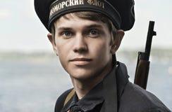 Festival historique de la deuxième guerre mondiale en Samara, le 26 juillet 2015 Portrait d'un garçon de carlingue sur le fond du Image stock