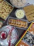 Festival indio de Raksha Bandhan y de sus platos dulces fotografía de archivo