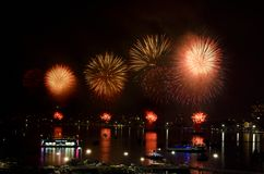 Festival internacional 2012 de los fuegos artificiales de Pattaya Fotos de archivo libres de regalías