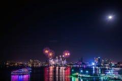 Festival internacional de los fuegos artificiales de Pattaya Foto de archivo