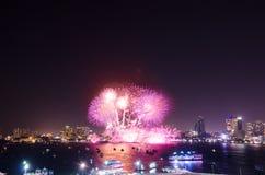 Festival internacional 2015 de los fuegos artificiales de Pattaya Fotografía de archivo