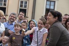Festival international des théâtres ULICA de rue dans Cracow_Kamchatka, Espagne images stock