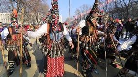 Festival internazionale dei giochi Surva di travestimento in Pernik video d archivio