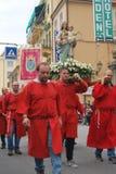 Festival italien de village avec le défilé Photos stock