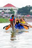 Festival lungo tradizionale di corsa di barca di Langsuan, Tailandia Immagini Stock