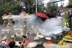 Festival magnífico del flotador de la flor Imagenes de archivo