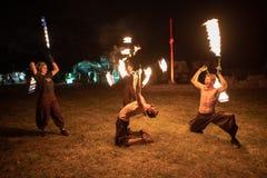 Festival medieval de Transilvania en Rumania, fuego-expectoración, lanzador de llama, respiradero del fuego fotografía de archivo libre de regalías