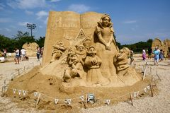 Free Festival Of Sand Sculptures `Tales Of Sand` In The Sea Garden Of The City Of Burgas. Snow White And The Seven Dwarfs Royalty Free Stock Photos - 164249808