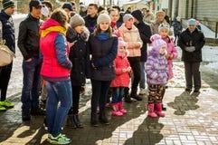 Festival popular do inverno do russo na região de Kaluga o 13 de março de 2016 Fotos de Stock