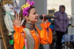 Festival popular do inverno do russo na região de Kaluga o 13 de março de 2016 Imagem de Stock