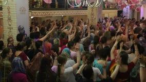 Festival religioso della lepre Krishna Ballo della gente stock footage