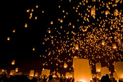 Festival religioso Loy Krathong de Budha imagens de stock royalty free