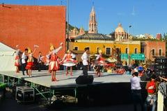 Festival russe de groupe de danse culturel Images libres de droits