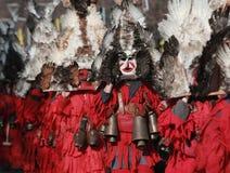 Festival Surva do disfarce em Pernik fotos de stock