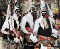 Festival Surva do disfarce em Pernik foto de stock