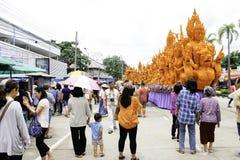 Festival UBON RATCHATHANI, TAILANDIA de la vela - 2 de agosto: Las velas se tallan fuera de la cera, forma de arte tailandesa de  Imagenes de archivo