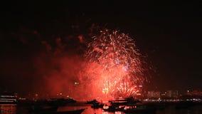 Festival van het Pattaya het Internationale Vuurwerk in Chonburi stock footage