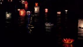 Festival van lantaarns op het water stock video