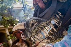 Festival 2019, via Carnaval, tema fantastico dei mondi, drago gigante del limone di Menton fotografia stock libera da diritti