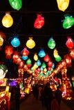 Festival y templo de linterna chino del Año Nuevo 2013 justos Fotos de archivo