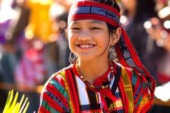 festivalbrudtärnan som igoroten ståtar, poserar Royaltyfri Foto