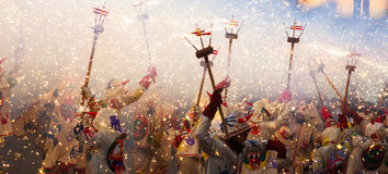 Festivalen av kan - visa med fyrverkerier Fotografering för Bildbyråer