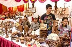festivalsäsongen shoppar skogskännedom Royaltyfri Bild