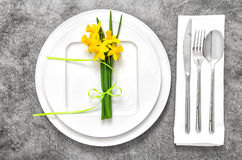 Festive able place setting with spring flowers Royalty Free Stock Photography