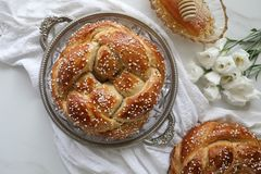 Free Festive Homemade Baked Round Challah Bread Glazed With Honey And Sugar For Rosh Hashanah Jewish New Year Stock Photo - 159878540